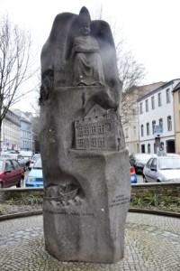 Pomnik Mikołaja z Kuzy na Florinsmarkt (fot. B. Grondkowska)