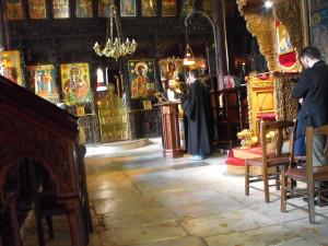 Klasztor św. Jana Chrzciciela w Weroi, w którym przebywał Grzegorz  Palamas. Także i dzisiaj mnisi praktykują tutaj modlitwę hezychastyczną  i niekiedy, po latach doświadczenia monastycznego, decydują się na  zamieszkanie w jaskini.
