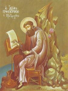 """Grzegorz Palamas jako teolog siedzi przy pulpicie, a w lewej ręce  trzyma wschodniochrześcijański """"różaniec"""" - korale do modlitwy  Jezusowej, praktykowanej przez hezychastów. Bezruch postaci  skontrastowany jest z manierystycznym dynamizmem skały w tle, a żywe  linie światła łaczą postać świętego z krajobrazem."""
