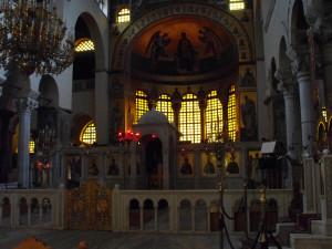 Katedra św. Demetriusza w Tesalonikach. Złote tło mozaiki  dematerializuje postaci i przenosi je w inną, niezmysłową rzeczywistość.