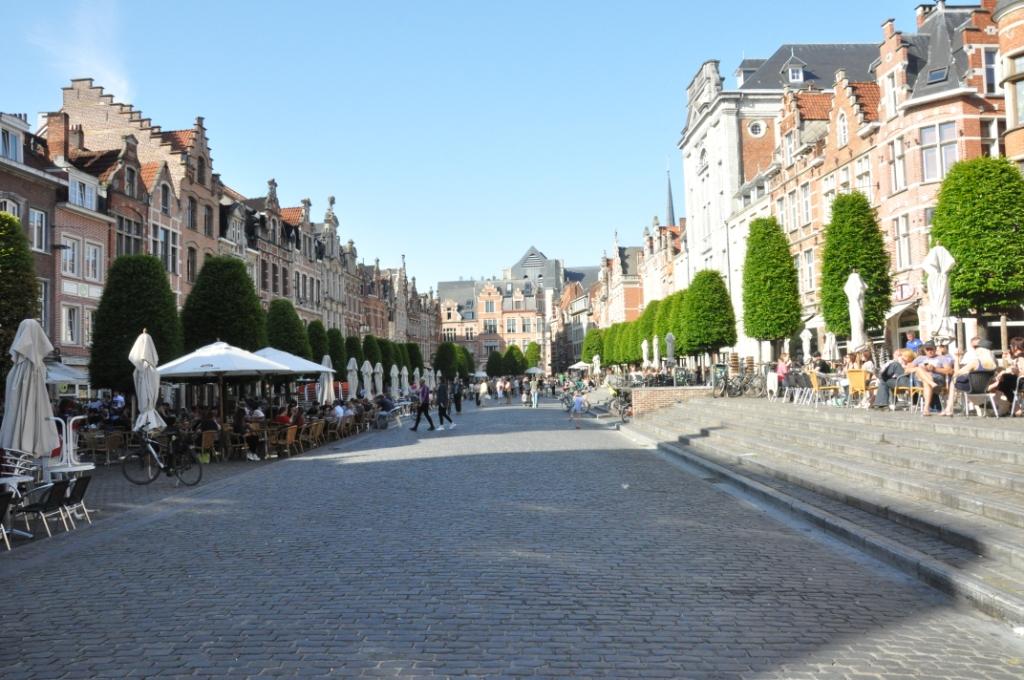 Oude Markt (Stary Rynek) w Leuven