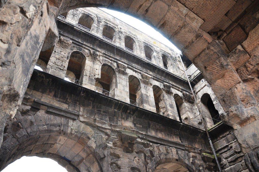 Porta negra. Brama rzymska w Trewirze